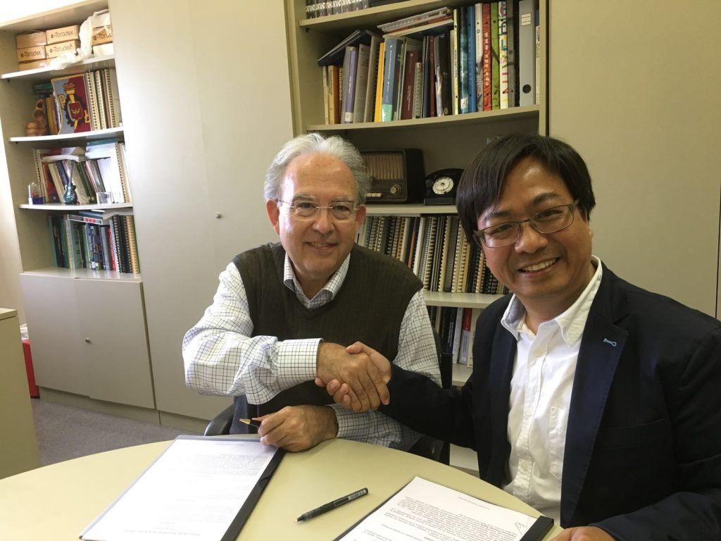 Dr. Philip Fung (founder of Safe Concept), signed a sole distributor agreement with Professor Joan Cabestany (founder of Sense4care), at the Polytechnic University of Catalonia